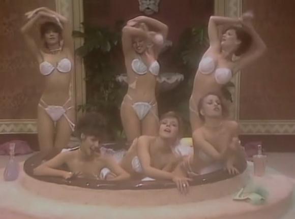 шоу бенни хилла эротические сцены этого проблемы